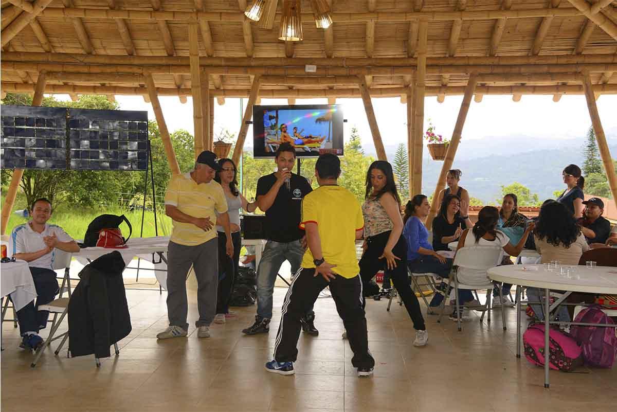 Eventos, Fiestas y Despedidas de Fin de Año Empresariales makute
