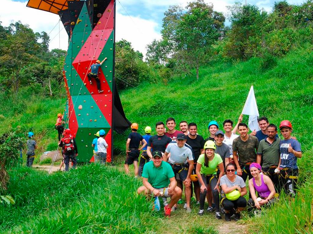 muro de escalar aventura